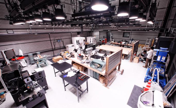 DMM.make が3Dプリントでフェイスシールド1万セットを生産、無償提供を開始